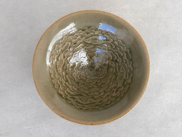 耀州窯青磁泳魚文小碗