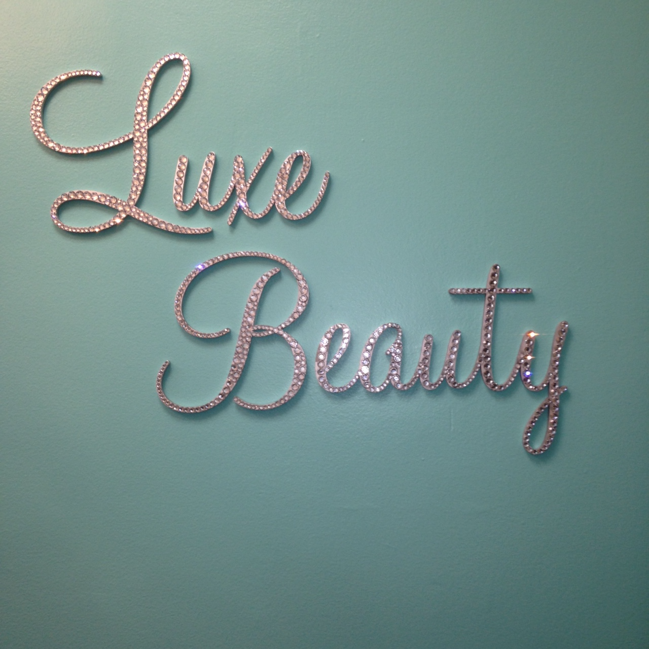 Luxe Beauty Sign