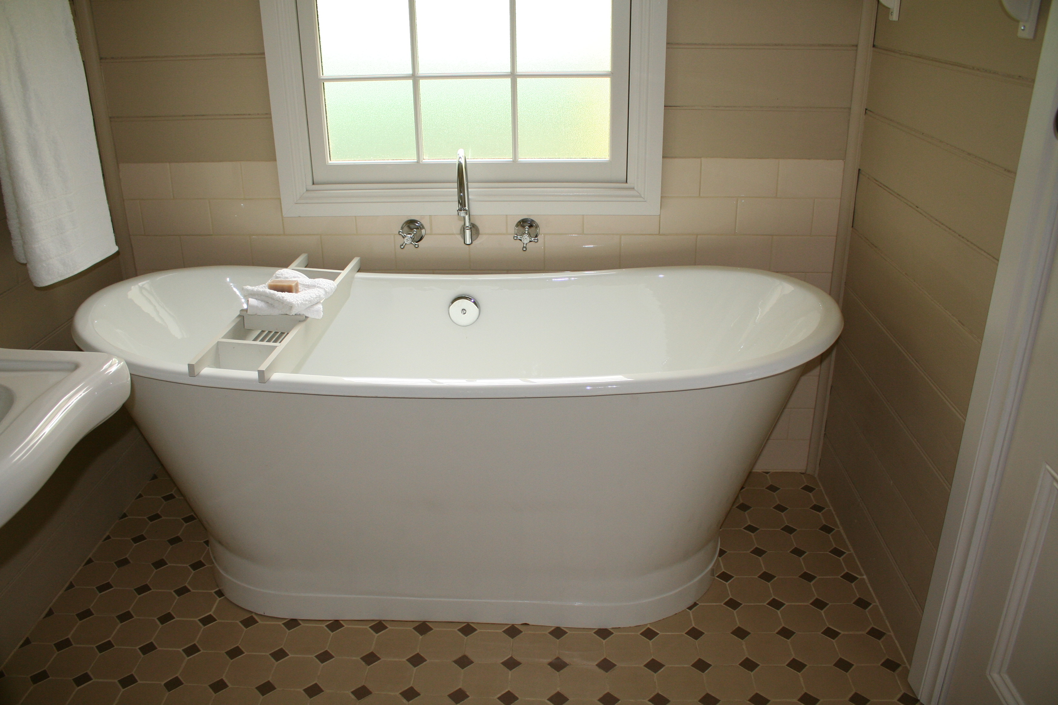 Gorgeous cast iron bath