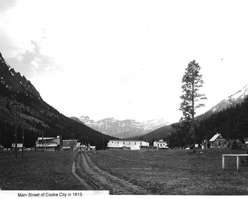 Main Street of Cooke City in 1913