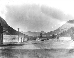 1900's - Oldroad going west to Yellowstone National Park,