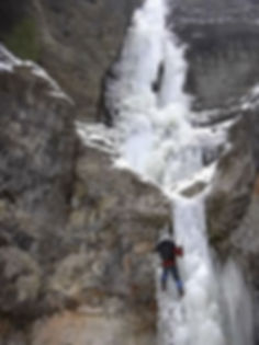 ICE CLIMBING Around Yellowstone NAtional Park