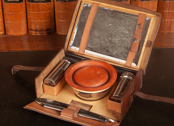 Good Quality Victorian Gentleman's Fitted Travelling Case