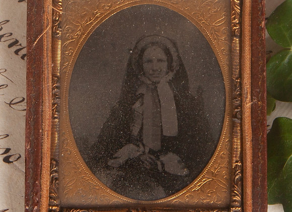 An Early Victorian Ambrotype Photograph of an Elderly Lady