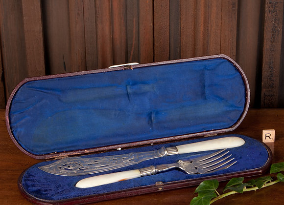 Victorian Cased Silver Plated Fish Servers