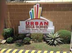 Urban-Deca-tisa-entrance