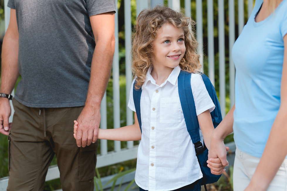 parents-walking-to-school-Q22TDGM.jpg