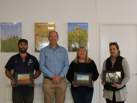 Photo Competition Winners Receive Prize