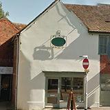 Location Bishops Waltham. Sports massage. deep tissue massage. lower back pain. therpay. cross street. physio bishops waltham.