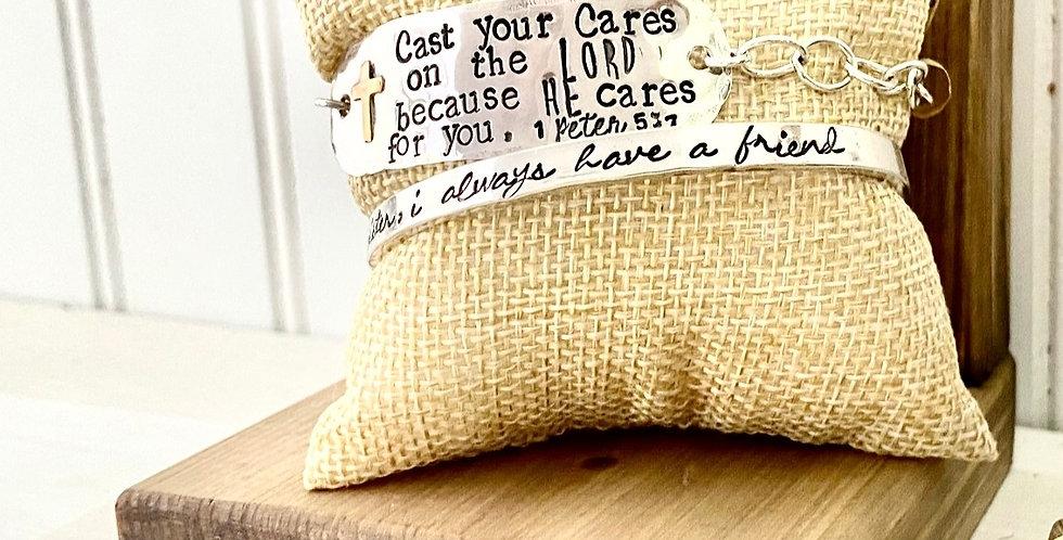 Cast Your Cares chain bracelet