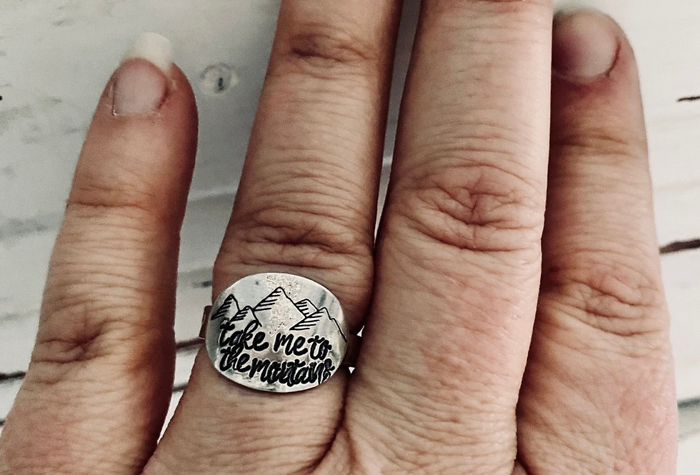 Take me to the Mountains Large Oval Ring sterling Silver SIZE 7