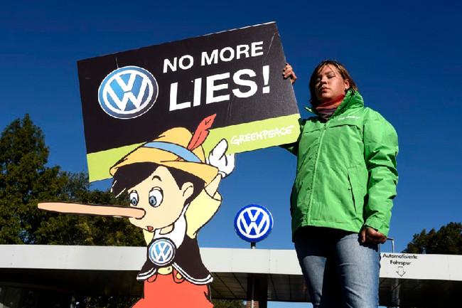 VW Group: Απολύουν 30.000 εργαζόμενους για να «ρεφάρουν» τις ζημίες από την απάτη του dieselgate