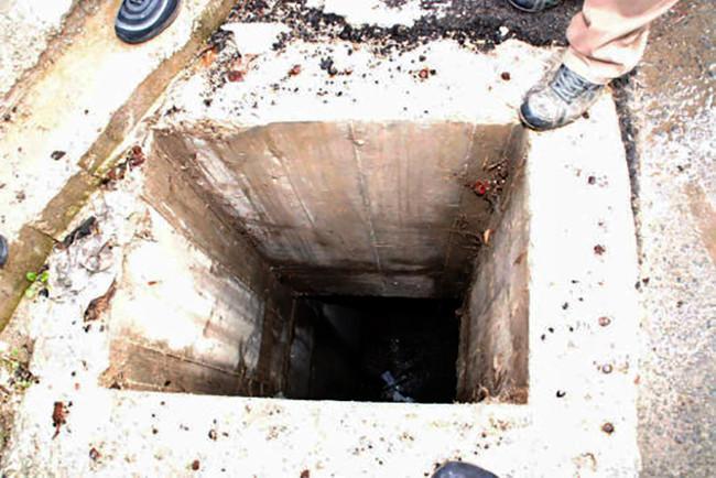 Φρικτός θάνατος από ασφυξία δυο εργατών σε φρεάτιο αποχέτευσης στη Λακωνία - Σε κρίσιμη κατάσταση έν