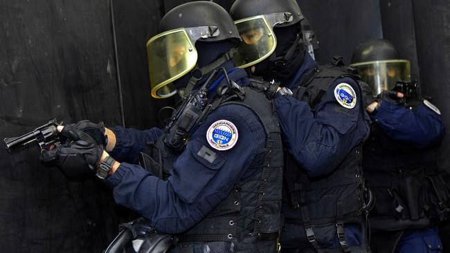 Γαλλία: Σύλληψη δυο μικρών κοριτσιών που φέρονται να σχεδίαζαν τρομοκρατικές επιθέσεις