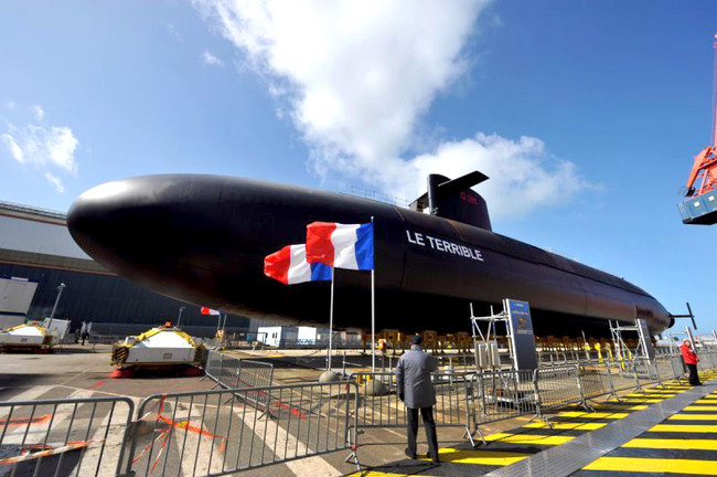 Με ανεργία 10% η γαλλική κυβέρνηση ψηφίζει αύξηση 40% των στρατιωτικών της δαπανών - Στα πυρηνικά όπ