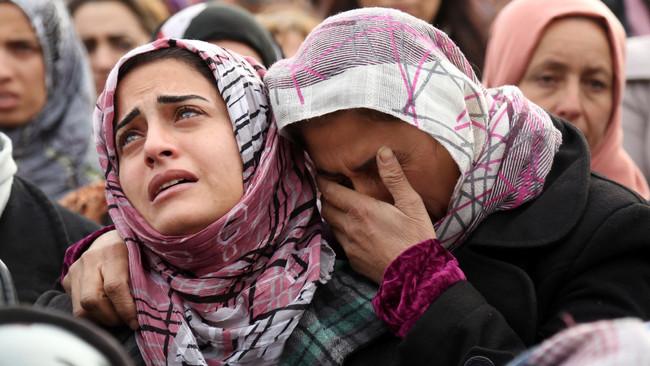 Στοιχεία σοκ: Τουλάχιστον 343.000 οι νεκροί στη Συρία - 102.000 ηλικιωμένοι, γυναίκες και παιδιά - Π