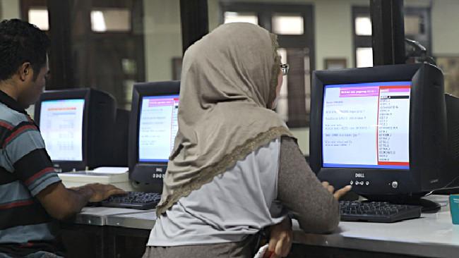 Λουξεμβούργο: «Δικαίωμα του εργοδότη» να απολύσει εργαζόμενη που φορά ισλαμική μαντήλα