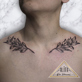 alita_de_ferrari_laurel_wreath_branch_le