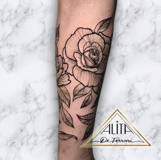 alita_de_Ferrari_rose_half_sleeve_floral