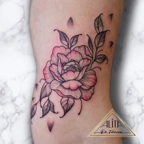 Alita_de_ferrari_peony_convention_tattoo