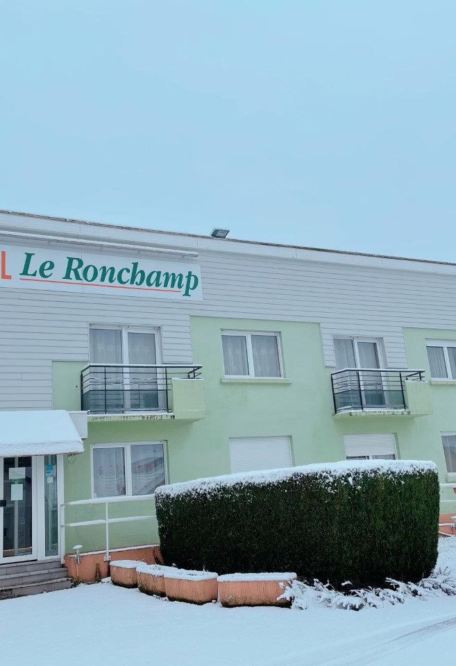 Hotel Ronchamp (70) Haute Saône. Hôtel Le Ronchamp: Chambres doubles, chambres simples, chambres lits jumeaux. Le Ronchamp est situé à 500 mètres du centre de Ronchamp (70).