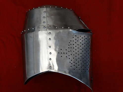 14th Century Great Helm Royal Armouries IV.600