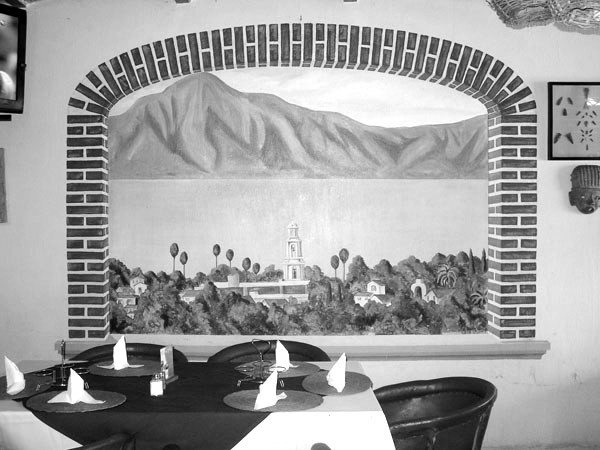tonysrestaurant-inside-2014-1_edited.jpg