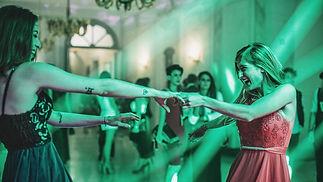 dancing_t20_9J9Xa pix1080.jpg