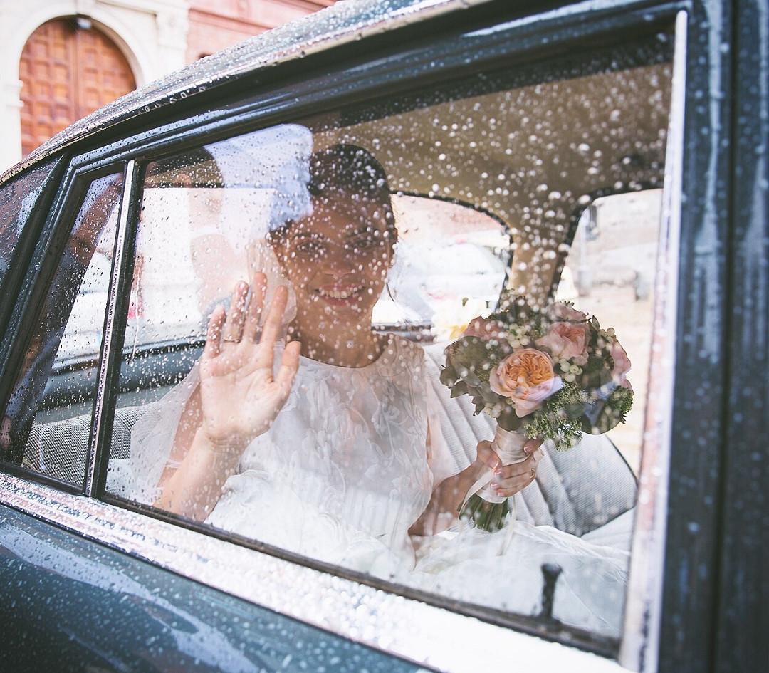 Nuestro trabajo se basa en ¡EL CONCEPTO DE BODA A TU MEDIDA! En la capacidad de entender y ejecutar la visión única y personal que cada persona tiene del día de su boda.