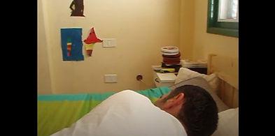 benjamín durmiendo en españa still.jpg