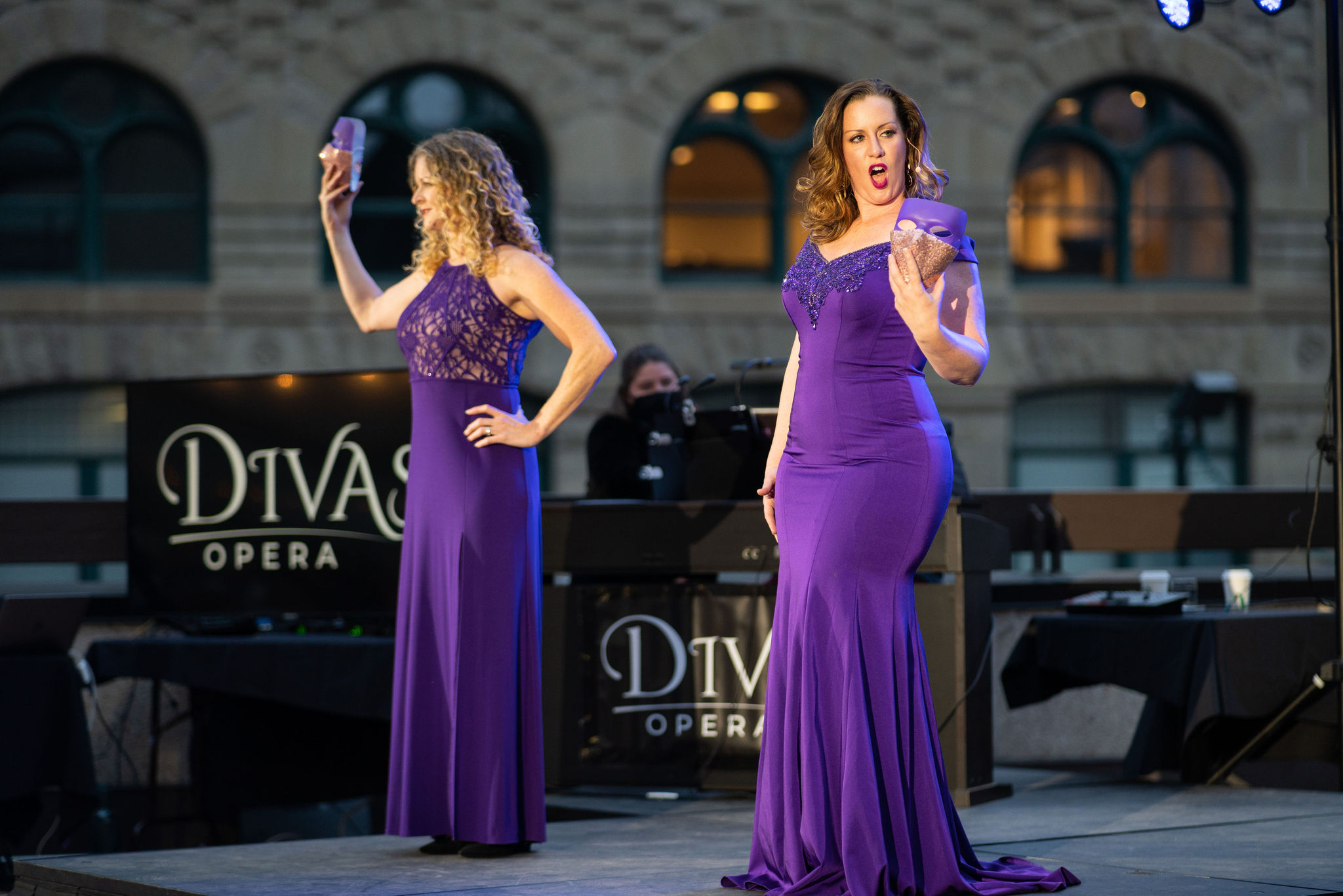 Divas Opera - The Show Must Go On