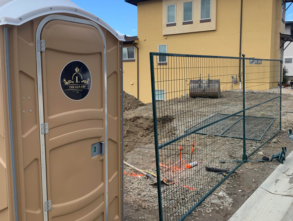 Loo and fencing