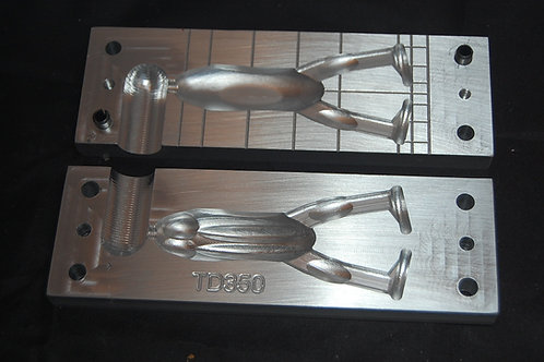 td350 Kickertoad bait injection mold