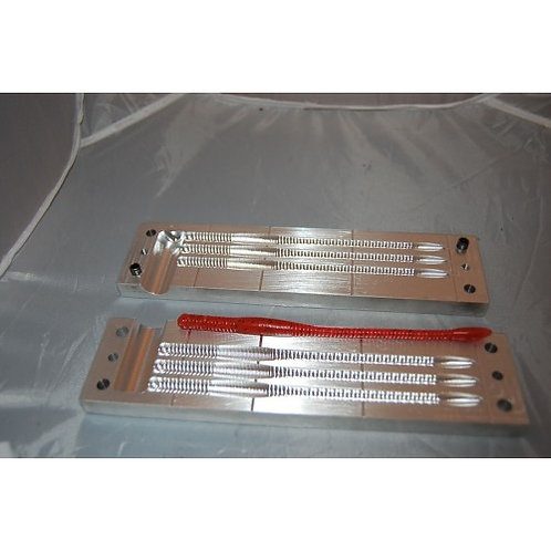 6 in finesse worm mold
