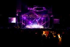 Elan-koncert-podium-tour.jpg