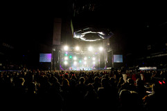 elan-koncert-tour-stage.jpg