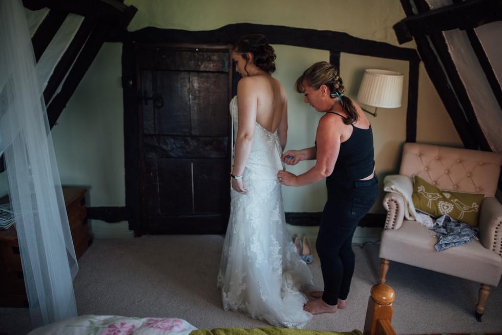 THE-BARNS- HOTEL-WEDDING-CHLOE-ANDREW-14