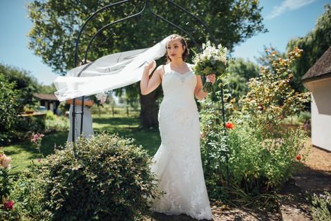 THE-BARNS- HOTEL-WEDDING-CHLOE-ANDREW-33