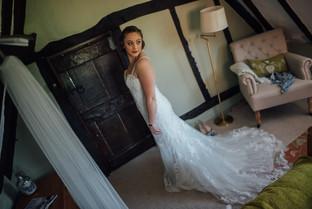 THE-BARNS- HOTEL-WEDDING-CHLOE-ANDREW-15