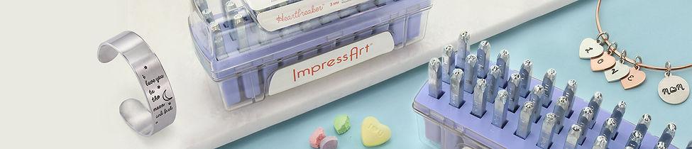 Takı yapımında kullanılan Impressart harf damgalar