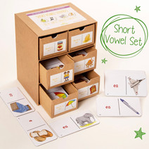 44 Sounds & Spelling Dominoes - Short Vowel Set