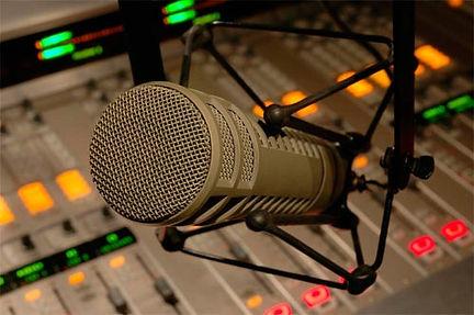 Misturador e Microfone ElectroVoice R20.jpg