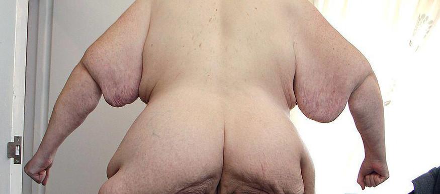 former-worlds-fattest-man-poses-naked3.j