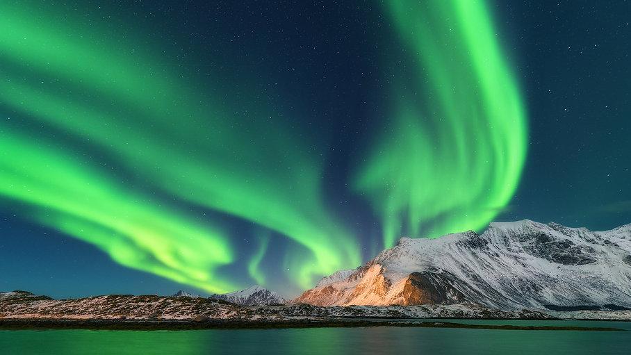 original_norway-northern-lights-lofoten-