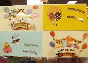グリーティングカードとして、封筒に入れて郵送することができます。