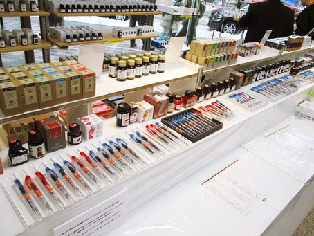 万年筆やカリグラフィーのインクが大集合!インクマーケットを開催中 1F
