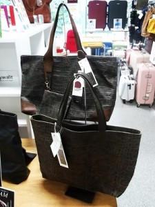 帆布の国産バッグ「レブラム」