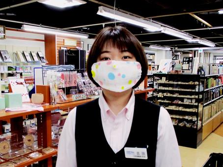 「8重ガーゼハンカチ」をご購入いただいた方に、マスクの作り方のプリントを差し上げています! 4F