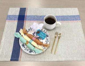 手作りのお菓子や小さな花束を包むのにぴったりです。