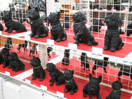 人気の置物が今年も登場!「炭犬フェア」 1F